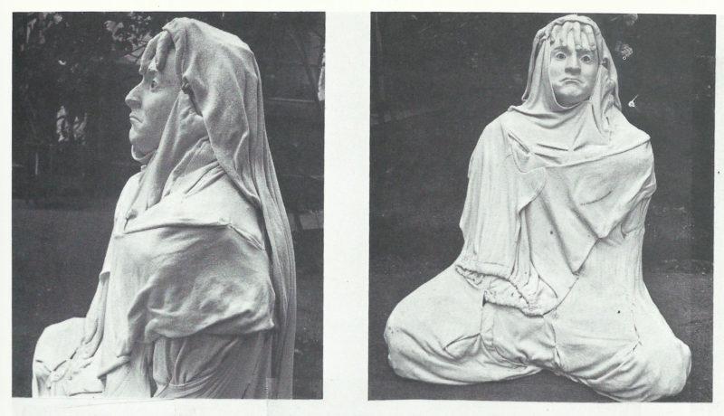 Polyesterfigur mit Unterhosen bekleidet