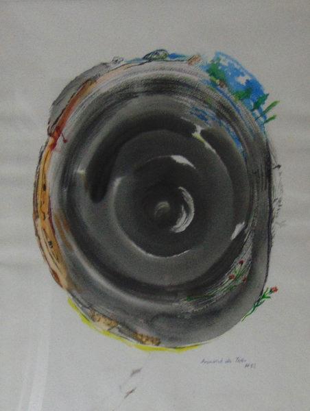um einen mittigen schwarzen Wirbel wird Figürliches erkennbar