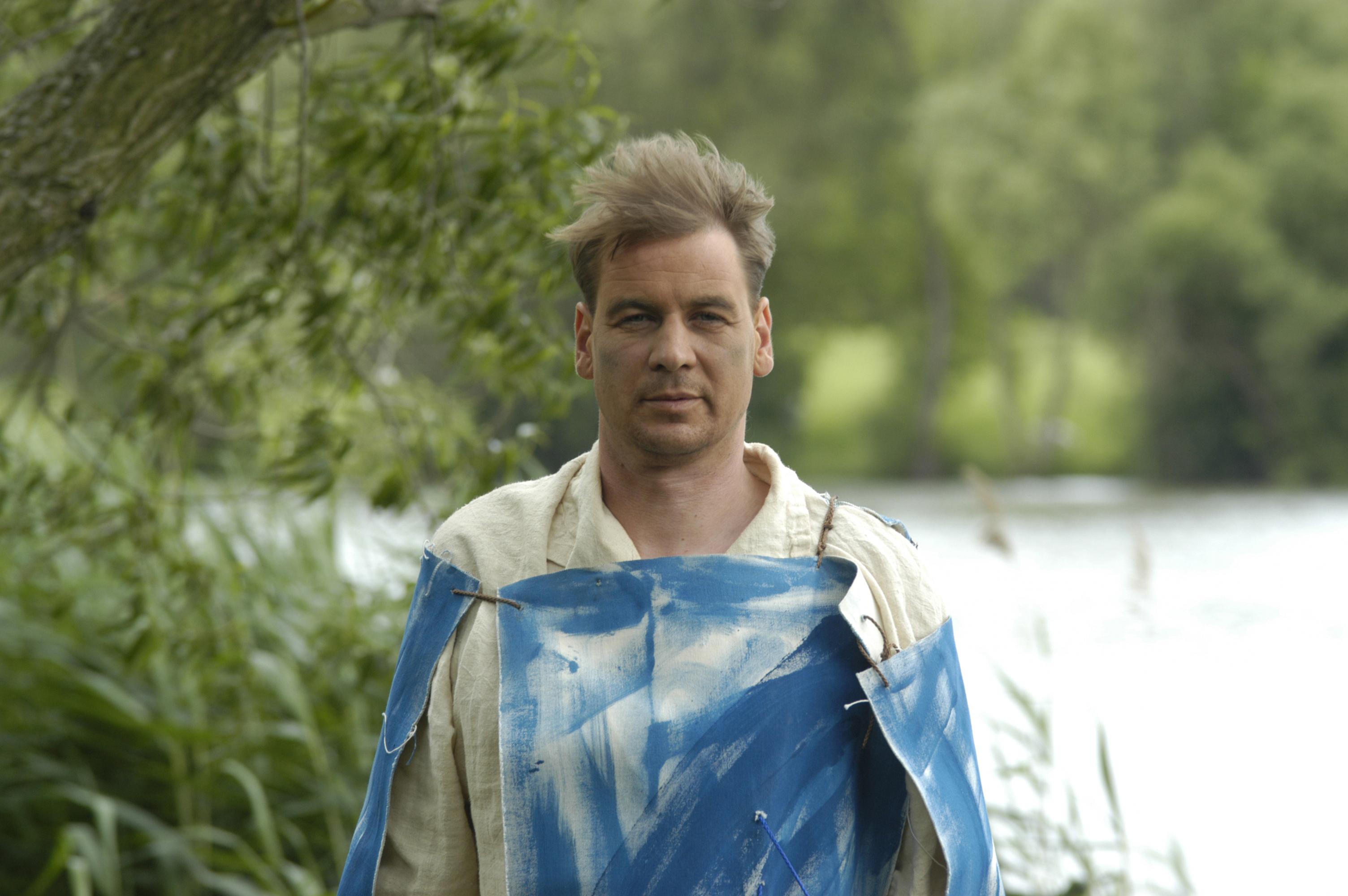 Axel Theune als Kunstahne, Halbportrait