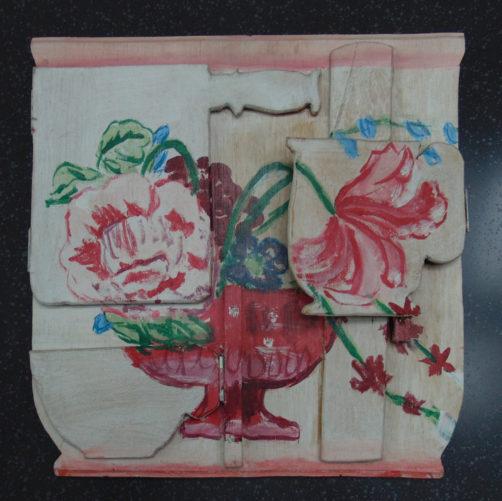 vier Klappen in den Farben und Symbolen eines Services von Meisen, morbide Blumen