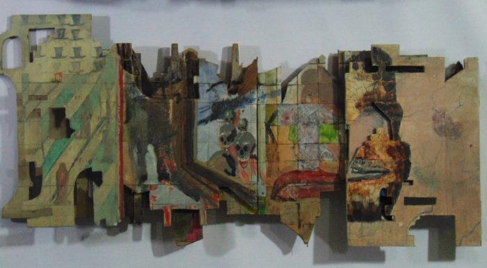 Gesichtstrukturen, Verbandsmull, Fenster mit Totenschädel Prozession