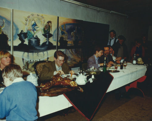Gesellschaftessen vor dem Bild Gesellschaftessen, Galerie Beck 1