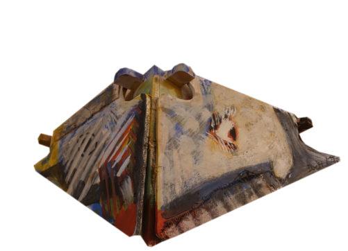 Duo (ouvert), bois, toile d'ortie, peinture acrylique, 50(90)x40(55)x30 cm, propriété privée