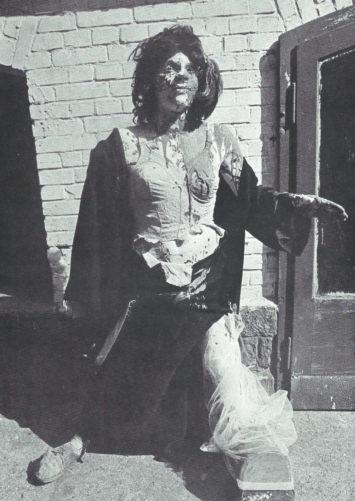 Tarlouze Emma » - grandeur naturelle, objets, polyester, yeux en verre, perruque, 1969