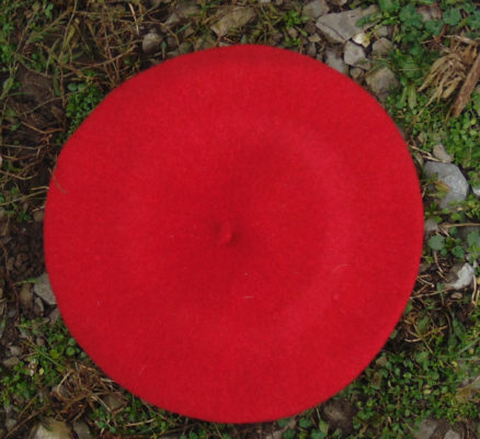 J'ai choisi ce bonnet comme motif de confection de deux études, l'une à peinture acrylique, l'autre pour un tableau à rabats.