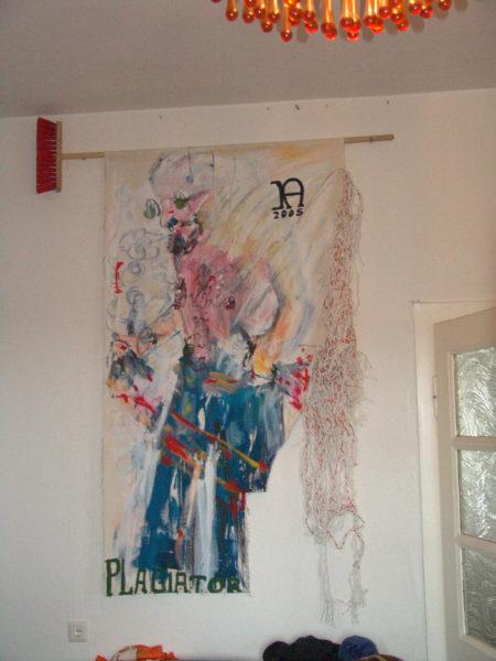 Plagiaire » - Balai, tableau et cordes, hauteur de 170 cm, 2005, signé KA 12005 av.J.C.